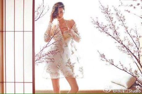 Miranda Kerr day me hoac voi noi y va vay trong suot - Anh 4