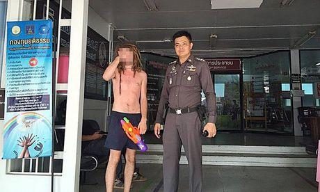 Bikini, sooc ngan dam nuoc ngap tran pho Thai Lan - Anh 5