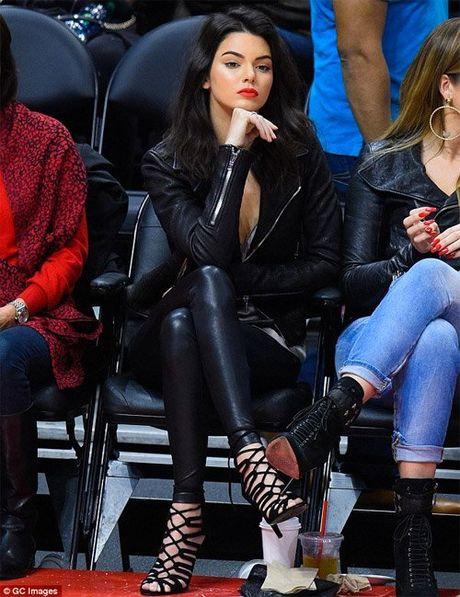 Bo suu tap giay day buoc tuyet dep cua Kendall Jenner - Anh 9