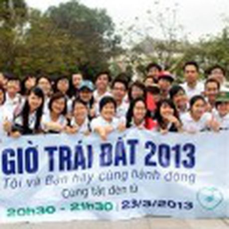 Cuc Bac cua Trai Dat dang dich chuyen ve huong Vuong quoc Anh - Anh 3