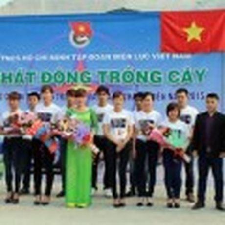 Cuc Bac cua Trai Dat dang dich chuyen ve huong Vuong quoc Anh - Anh 4