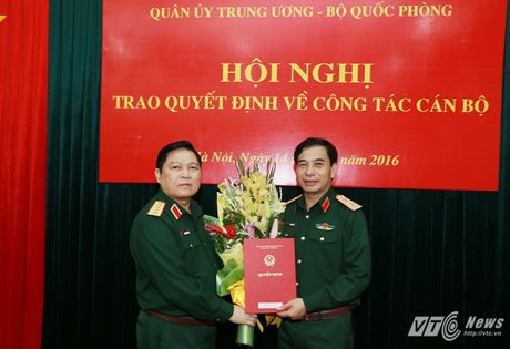 Bo truong Quoc phong trao quyet dinh bo nhiem Thu truong - Anh 1