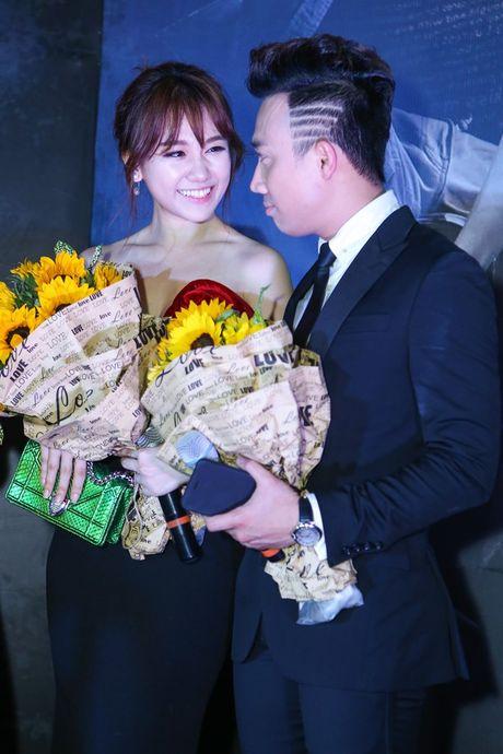 Thoi trang Hari Won ngay tay trong tay voi Tran Thanh - Anh 6
