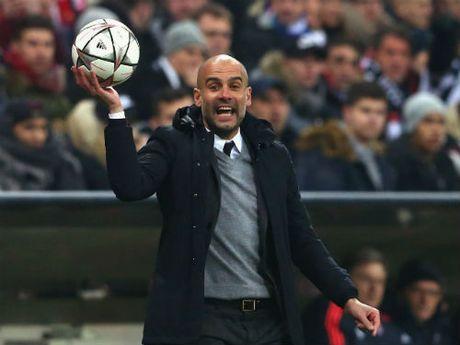 "Bayern vao ban ket, Pep ""choc ngoay"" Ronaldo - Anh 1"