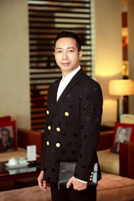 Nguoi dan ong thiet ke ao dai cho Tan chu tich Quoc hoi - Anh 3
