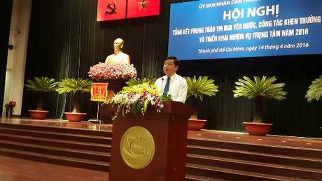 Bi thu Dinh La Thang: 'Tinh than yeu nuoc khong phai de khoe thanh tich' - Anh 1
