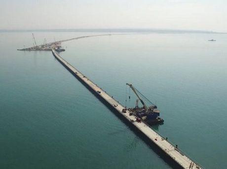Nga khong the hoan thanh dung thoi han du an cau noi lien Crimea - Anh 1