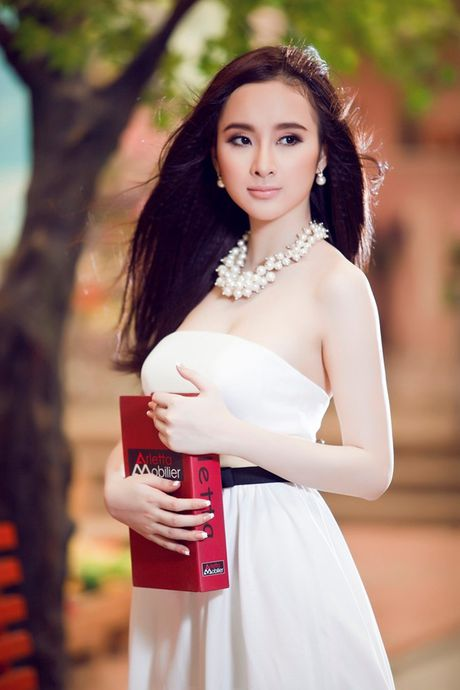 "Sau uoc mo lam Hoa hau, Angela Phuong Trinh dang phan dau lam ""Minh tinh dien anh""? - Anh 1"