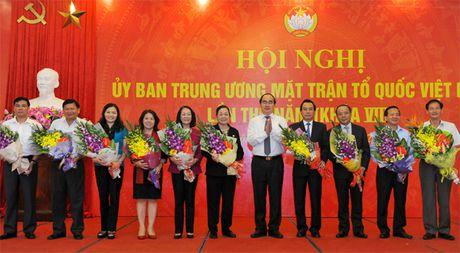 Hai Uy vien Bo Chinh tri tham gia Uy ban Trung uong MTTQ Viet Nam - Anh 2