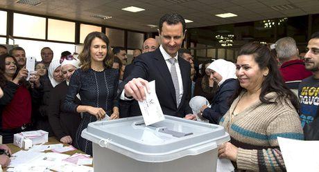 Ong Assad moi Nga quan sat cuoc bau cu Tong thong Syria - Anh 1