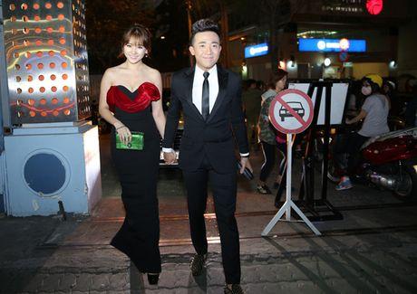 Cham soc Hari Won nhu 'bau vat', Tran Thanh bi nghi 'dien sau' - Anh 1