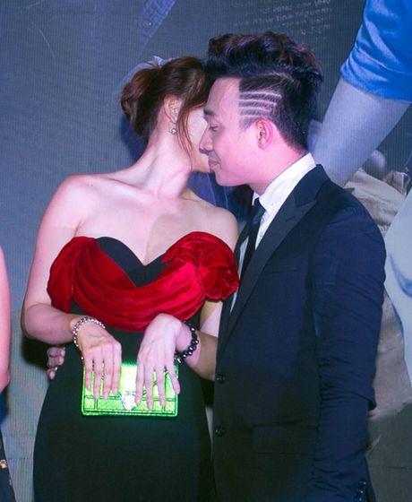 Cham soc Hari Won nhu 'bau vat', Tran Thanh bi nghi 'dien sau' - Anh 7
