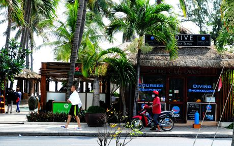 Thao do hang loat cong trinh chan tam nhin bien Nha Trang - Anh 7