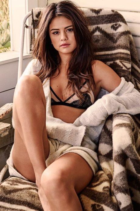 Selena Gomez goi cam tren tap chi dan ong - Anh 5