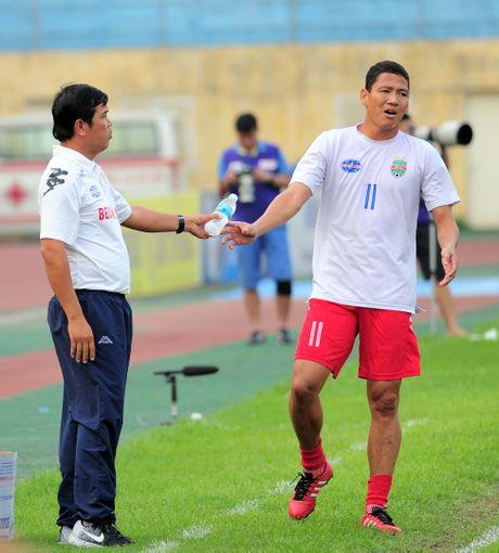 Cong Vinh va tuong lai bat on o Binh Duong - Anh 2