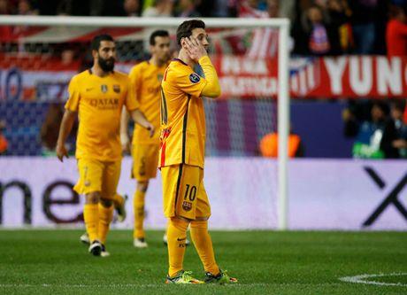 Ronaldo ghi ban lien tuc. Bao gio Messi moi ghi ban tro lai? - Anh 2