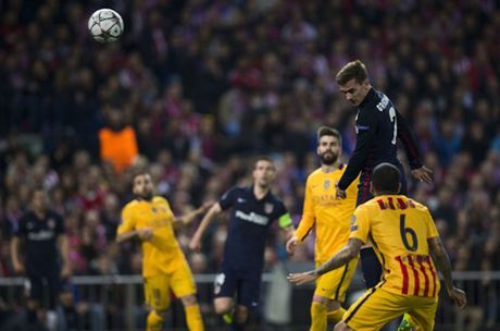 Luis Enrique: 'That bat cong khi chi trich Messi vi that bai cua Barca' - Anh 1