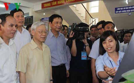 Tong Bi thu Nguyen Phu Trong tham va lam viec tai Quang Ninh - Anh 2