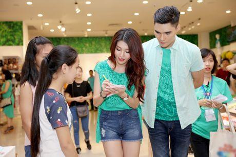 Quynh Chau, Quang Hung quan quit khi hop fan o HN - Anh 5