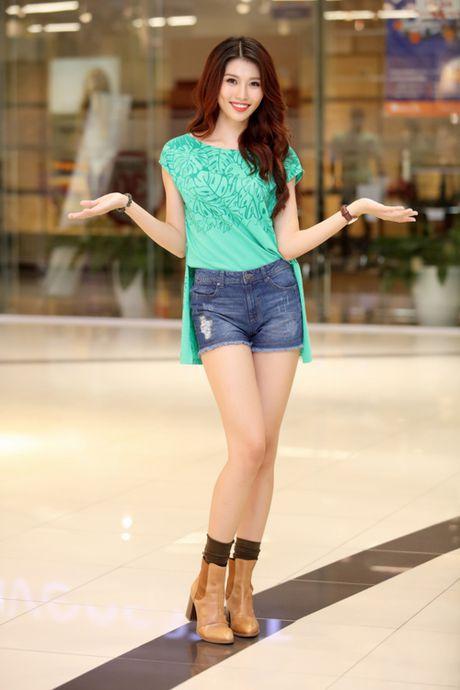 Quynh Chau, Quang Hung quan quit khi hop fan o HN - Anh 6