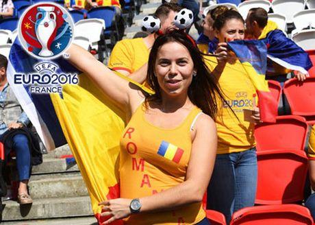 Ngan ngo truoc dan CDV xinh dep cua DT Romania - Anh 13