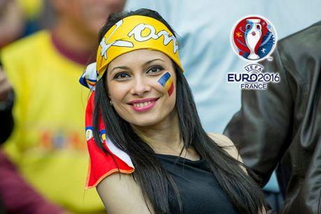 Ngan ngo truoc dan CDV xinh dep cua DT Romania - Anh 2