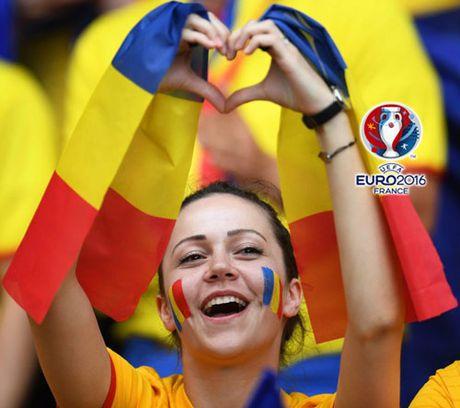 Ngan ngo truoc dan CDV xinh dep cua DT Romania - Anh 4
