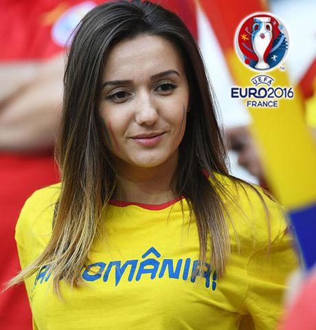 Ngan ngo truoc dan CDV xinh dep cua DT Romania - Anh 5