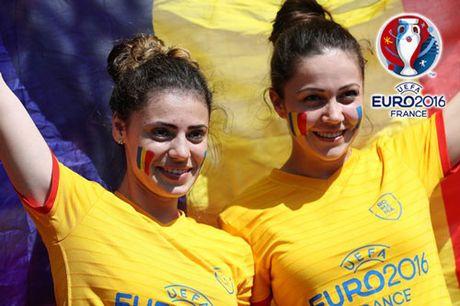 Ngan ngo truoc dan CDV xinh dep cua DT Romania - Anh 6