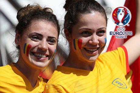 Ngan ngo truoc dan CDV xinh dep cua DT Romania - Anh 8
