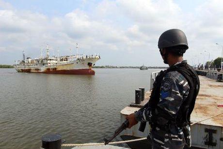 Hai quan Indonesia thang thung ban tau Trung Quoc o Bien Dong - Anh 1