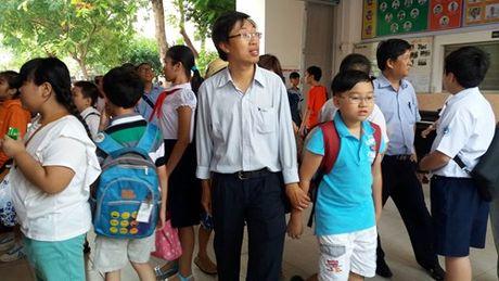 TPHCM: Gan 4.000 hoc sinh thi vao truong chuyen THPT Tran Dai Nghia - Anh 2
