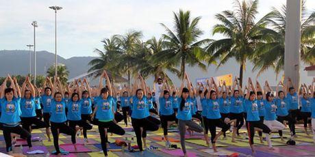 500 nguoi tham du ngay quoc te Yoga lan thu II - Anh 1