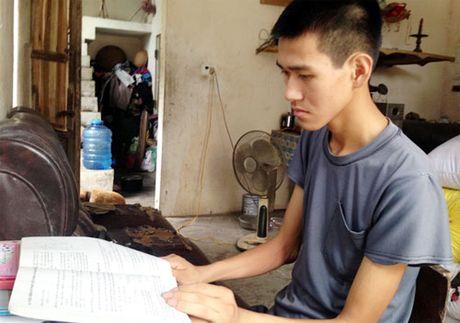 Chang trai ngheo mac trong benh vuot kho hoc gioi - Anh 1