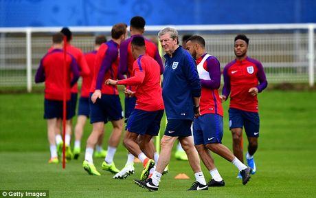 Tin tuc Euro 20/6: Tuyen Anh thay doi hinh, Bale dieu tri dac biet - Anh 3