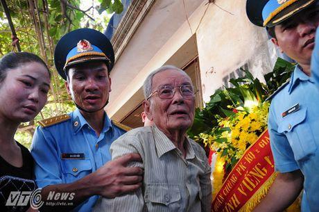 Bo phi cong Tran Quang Khai: 'Bay gio Khai mai mai la cua bau troi roi' - Anh 2