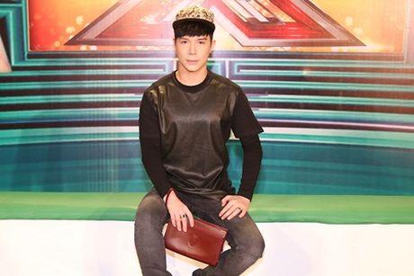 Nathan Lee gay choang khi dien hang hieu hon 5 ty tai The X - Factor - Anh 1