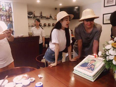 Nha Phuong nhin Kang Tae Oh au yem trong ngay sinh nhat - Anh 2