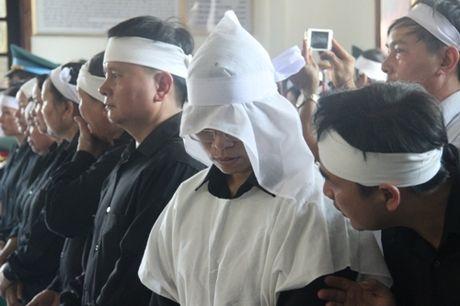 Nuoc mat lang le roi trong le truy dieu phi cong Tran Quang Khai - Anh 11