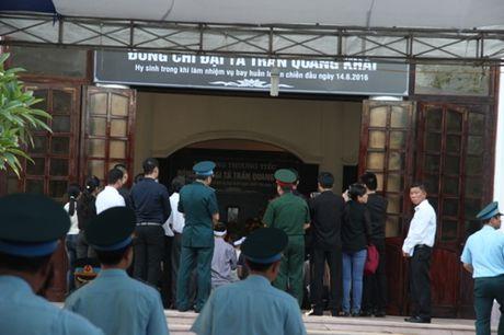 Nuoc mat lang le roi trong le truy dieu phi cong Tran Quang Khai - Anh 2