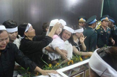 Con gai Dai ta Tran Quang Khai ngay tho trong vong tay dong doi bo - Anh 5