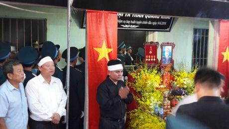 Con gai Dai ta Tran Quang Khai ngay tho trong vong tay dong doi bo - Anh 6