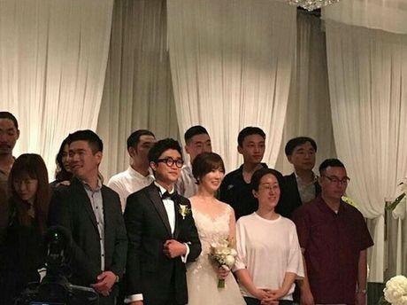 Song Hye Kyo tuoi roi di du dam cuoi sau khi ve nuoc - Anh 2