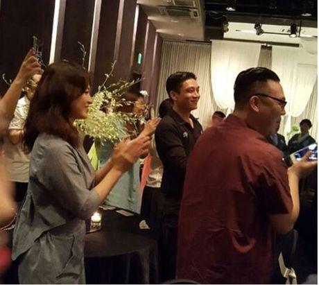 Song Hye Kyo tuoi roi di du dam cuoi sau khi ve nuoc - Anh 3
