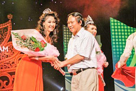 Nha bao Duong Ky Anh: Viet bao can trong chung cu phap ly - Anh 3