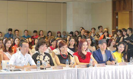 "Giam khao Tran Ly Ly va NTK Cory Tran ""ham mo"" nhan sac thi sinh casting Hoa hau Ban sac Viet toan cau - Anh 4"