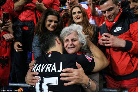 Albania vo oa trong chien thang lich su o EURO - Anh 16