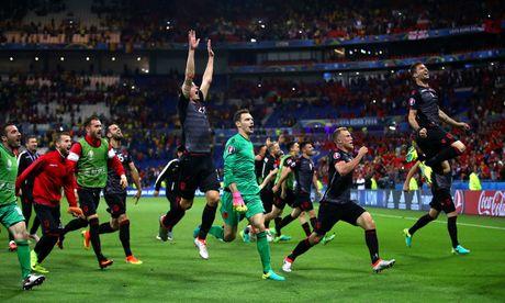 Albania vo oa trong chien thang lich su o EURO - Anh 1