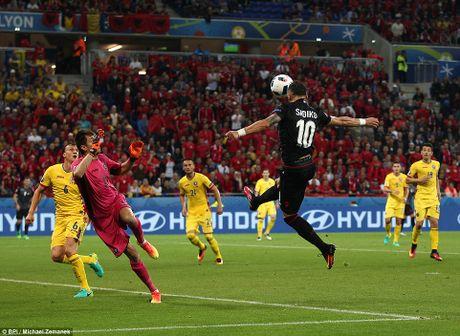 Albania vo oa trong chien thang lich su o EURO - Anh 6