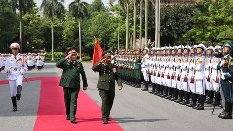 Hoi dam quan su cap cao Viet - Lao - Anh 1